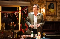 Shane Richie (Archie Rice) in The Entertainer - Helen Murray Photography