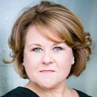 Wendi Peters as The Red Queen