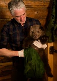Gordon Buchanan Animal Families and Me