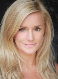 Rachael Wooding as Alice