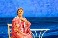 Jodie Prenger as Shirley Valentine. Photo by Manuel Harlan