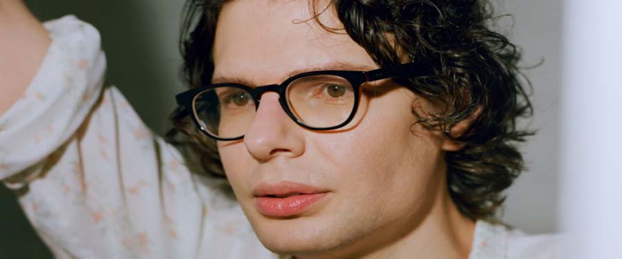 ST: Simon Amstell. What is this?